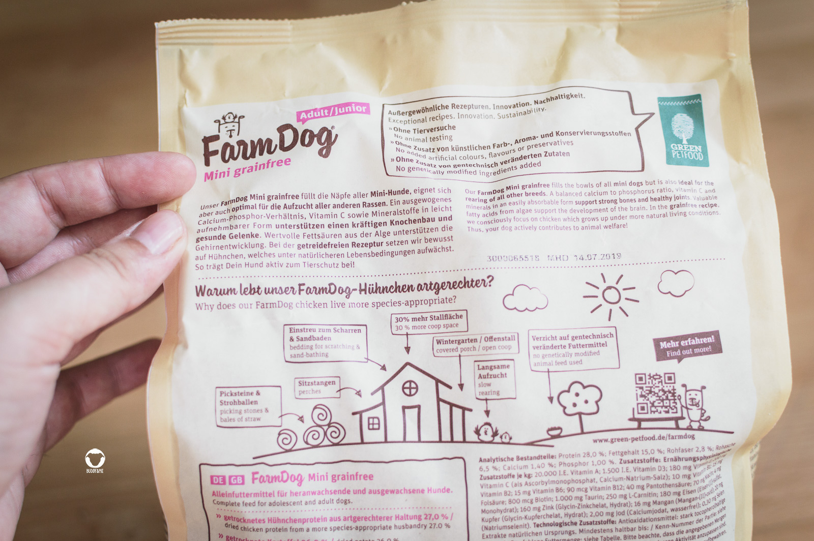 Pinscher Buddy, Buddy and Me, Hundeblog, Dogblog, Produkttest, Kooperation, Hundefutter, Premiumfutter, Green Petfood, Allergiker, Futtermittelunverträglichkeit, hochwertig, Tierschutz, artgerecht, regionale Rohstoffe, kleine Rassen, FarmDog Mini grainfree, Test, Testbericht, Erfahrungen, Barfen